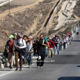 AFP: C.American caravan gains speed, first migrants cross border