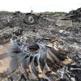 Ukraine fighting again stops MH17 investigators