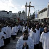 Christmas Eve pilgrims gather in Bethlehem