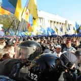 Pro-EU demonstrators clash with police in Ukraine's capital