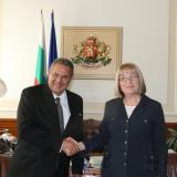 Parliament Chairperson discusses bilateral relations, parliamentary diplomacy with Greek Minister of National Defence