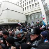 18,000 take to Moscow streets because of Crimea