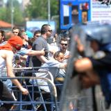 Republika, Macedonia: Protesters engage in fights with one another
