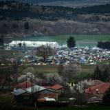 Greece starts evacuating Idomeni migrant border camp: AFP