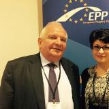 Bulgarian MP presents CEDB's election campaign slogan to EPP President