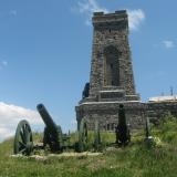 Hundreds of Bulgarians climb Shipka Peak for the 137th anniversary of Shipka Epopee