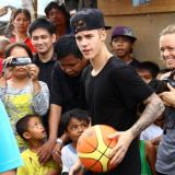 White House: no comment on Bieber deportation petition‎