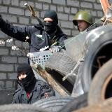 East Ukraine separatists stay put despite diplomatic deal