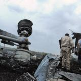 Ukraine rebels hand over MH17 black boxes, call ceasefire