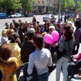 People stage protests over Bulgarian midwife's actions (ROUNDUP)