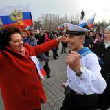 Crimea votes to secede from Ukraine as Russian troops keep watch