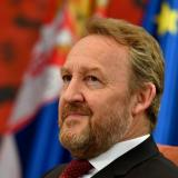 Izetbegovic: Vucic speaking of peace while getting armament