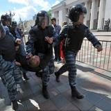 Ukrainian riot police break up first-aid post of Kiev demonstrators