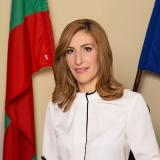 Tourism Minister Angelkova will participate in a round table on the project for 12 wine-culinary destinations on 17 August in Burgas