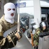 Armed man seize police station in Sloviansk, Ukraine