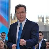 David Cameron warns of 'appeasing Putin as we did Hitler'