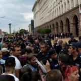 Sofia: Protesting farmers tried to rush into government building