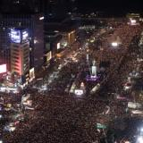 Reuters: South Koreans march close to presidential Blue House demanding Park resign