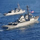 US ship, recon plane to aid Malaysia plane search