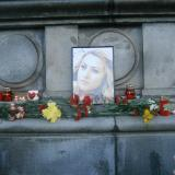 Picture: Галя СавоваThousands pay last respects to murdered journalist Viktoria Marinova in Ruse
