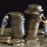In spite of low interest rates Bulgarians keep their savings in bank deposits