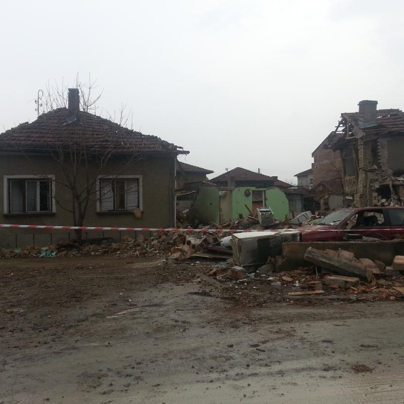 Explosion demolishes house, kills a boy and severely injures a girl in the town of Sevlievo.