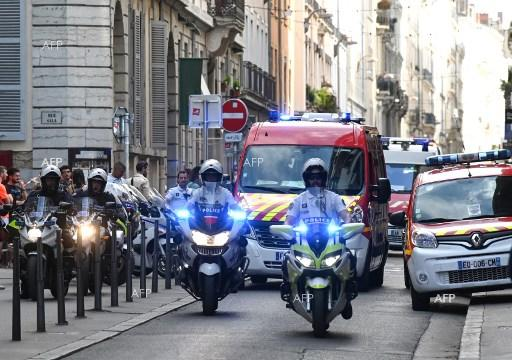 AFP: French police hunt suspect after Lyon bomb 'attack'