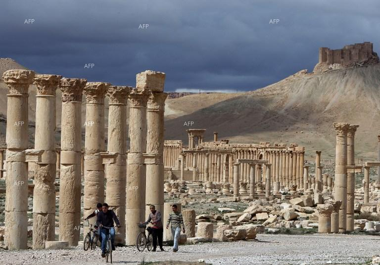 The Times: Antiquities experts call for war on Isis looting
