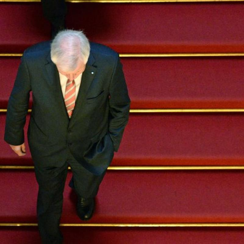 Horst Seehofer withdraws as CSU leader. November 12, 2018;