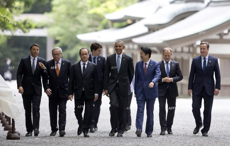 G7 Summit in Japan. Italian PM Matteo Renzi, President of the European Commission Jean-Claude Juncker, US President Barack Obama, Japanese PM Shinzo Abe, French President Francois Hollande, Canadian PM Justin Trudeau, British PM David Cameron.