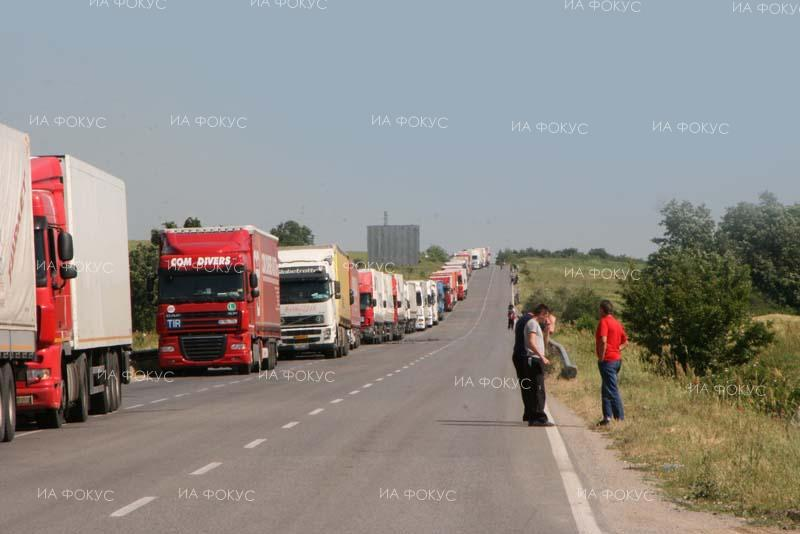 Heavy traffic of trucks on Kulata, Kapitan Andreevo and Lesovo border checkpoints