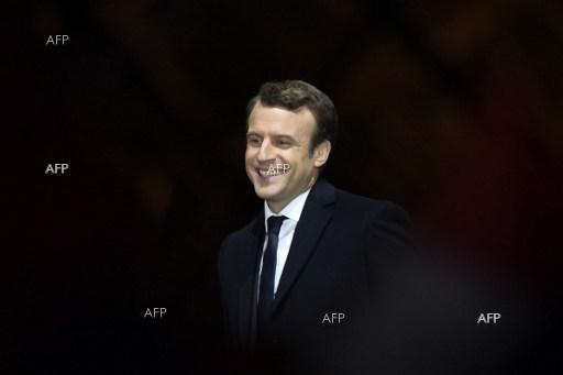 Huge vote of confidence for Macron