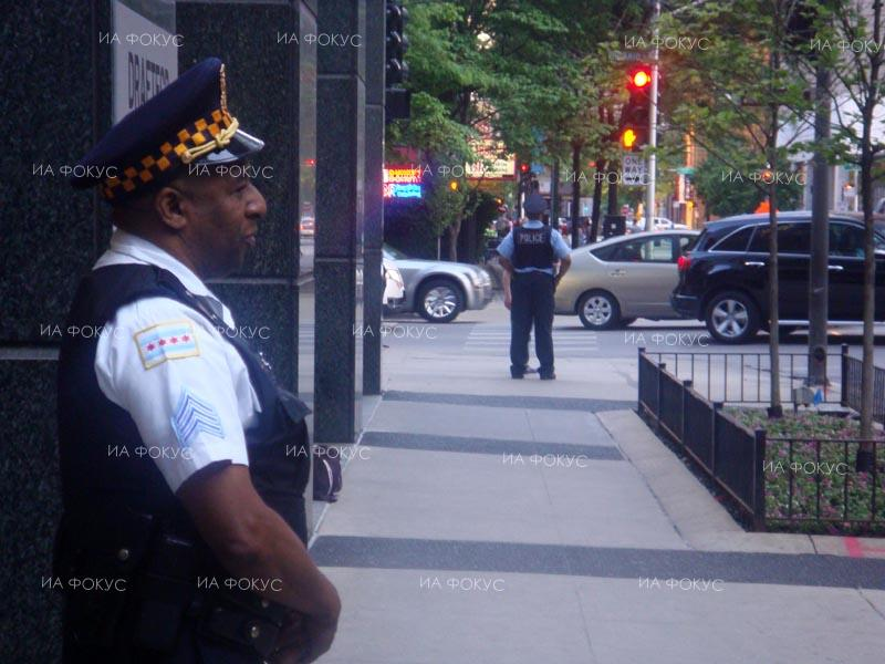AFP: Police commander shot dead at Chicago government building