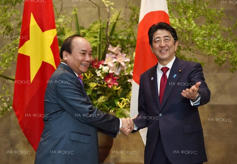 The Prime Ministers of Japan and Vietnam Shinzo Abe and Nguyen Xuan Phuc meet in Tokyo.