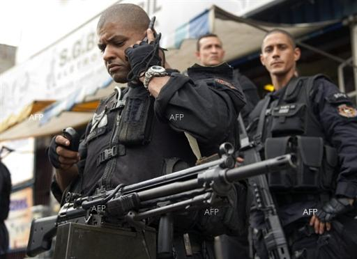 Brazilian army launch crackdown on Rio slums