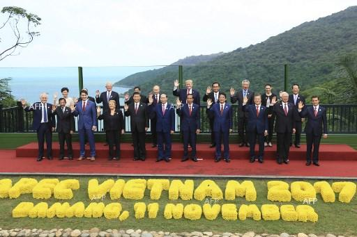A general photo of the leaders who participated in APEC summit in Da Nang, Vietnam. November 11, 2017;