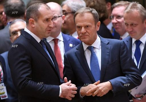 Bulgarian President Roumen Radev (L) speaks with European Council President Donald Tusk (R) during a meeting of the EU leaders in Brussels, on April 29, 2017.