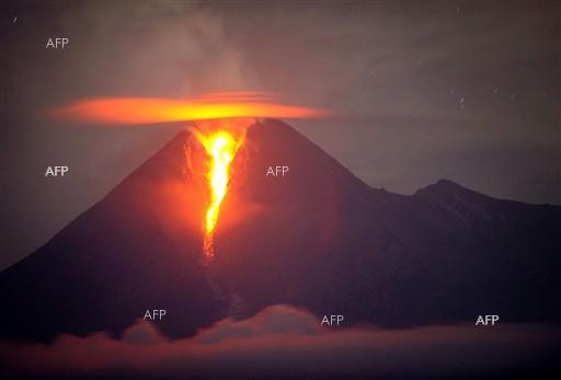 AFP: Thousands evacuated as Guatemala volcano erupts, then stops
