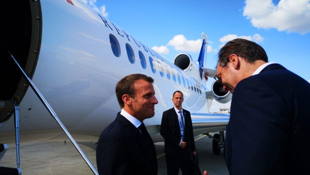 French Prime Minister Emmanuel Macron was met at Belgrade airport by his Serbian counterpart Aleksandar Vucic. July 15, 2019