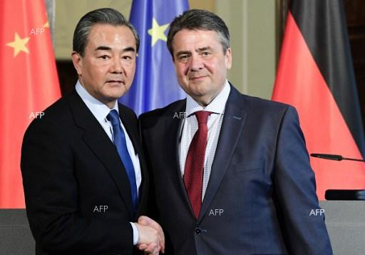 Meeting between German Foreign Minister Sigmar Gabriel and his Chinese counterpart Wang Yi.  April 26, 2017.