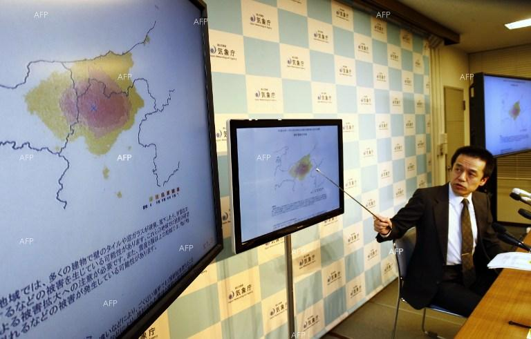 Tokyo. A strong earthquake measuring over 6 on the Richter scale registered in central Japan.