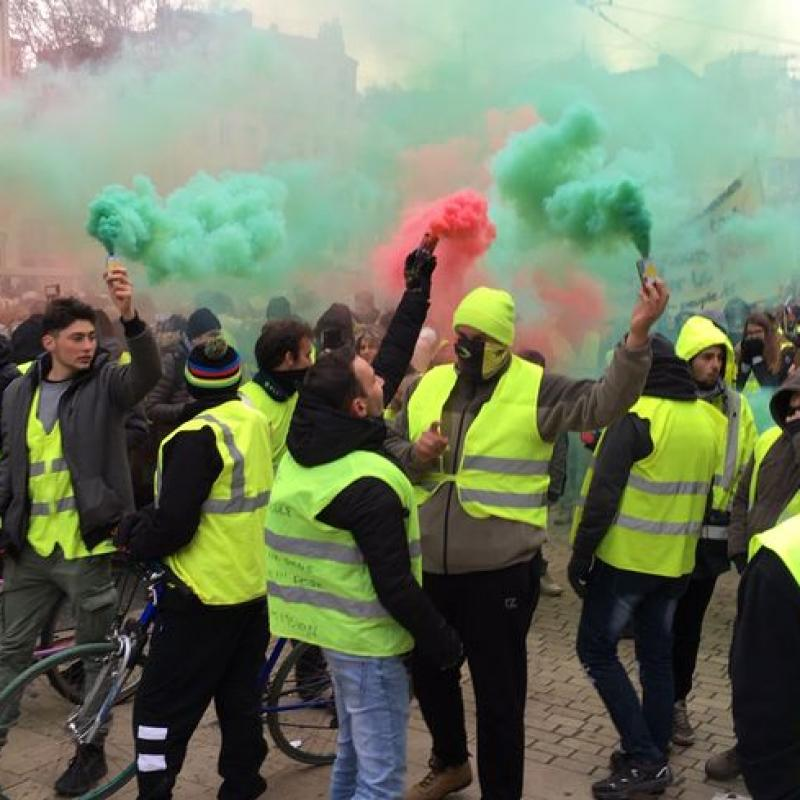 Yellow vest protesters clash with police. November 15, 2019