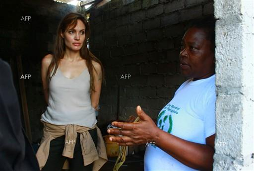Angelina Jolie calls for more aid for Syrian refugees