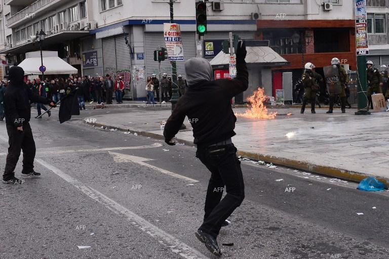 Skirmishes in Athens as general strike sweeps Greece