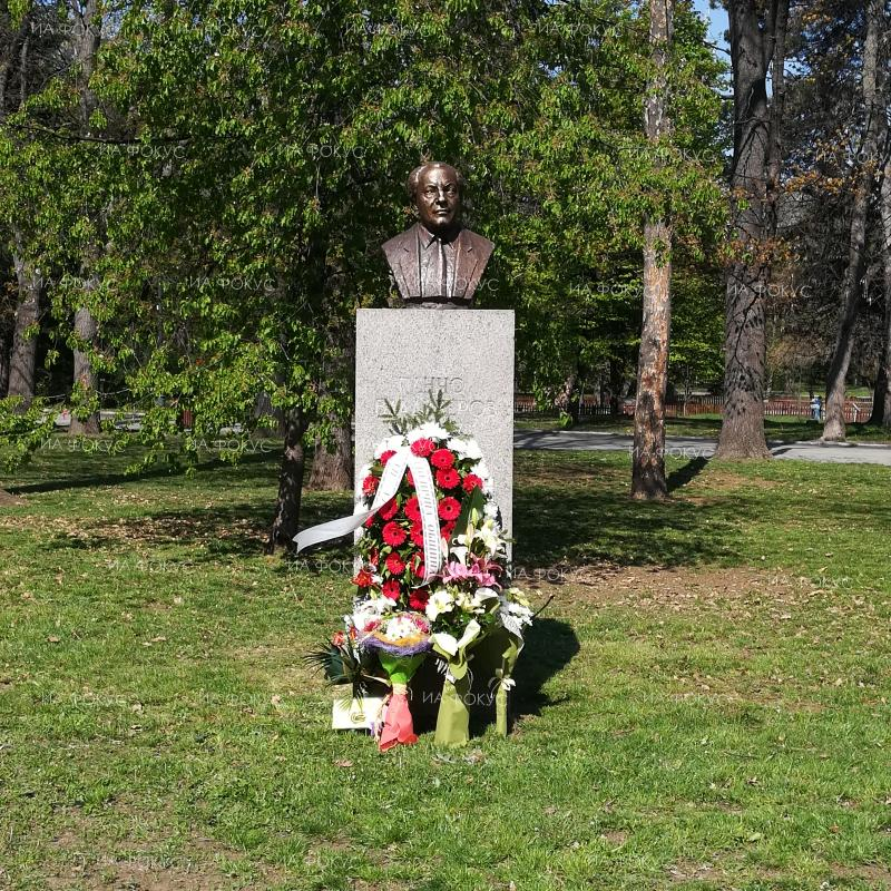 Mayor of Sofia Yordanka Fandakova: In recent years we have restored 38 monumental busts