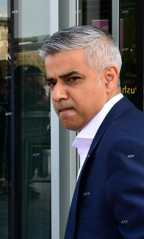 VOA: London Mayor Admits Fire Caused by 'Mistakes and Neglect'