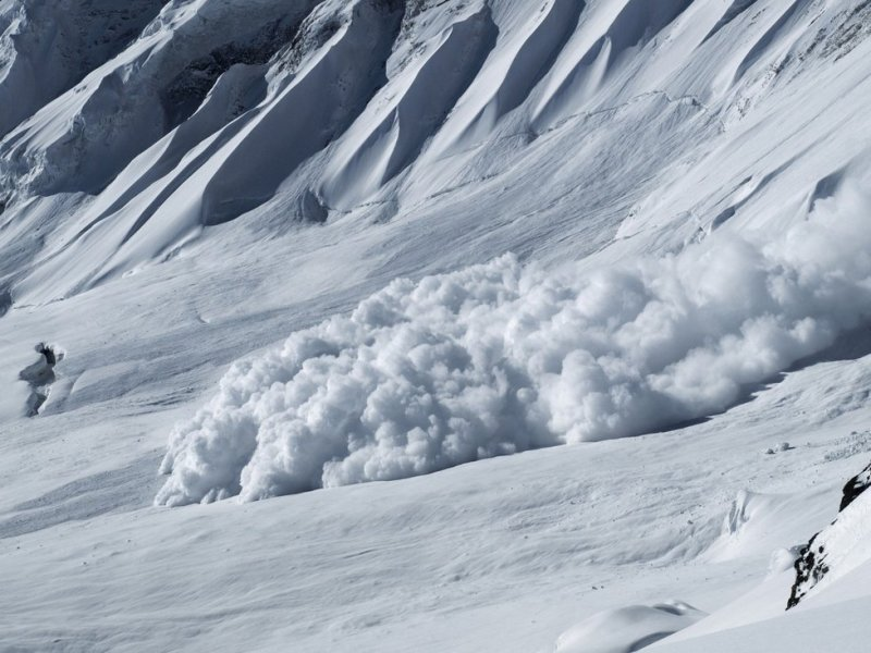 AFP: One killed, two injured in Swiss avalanche