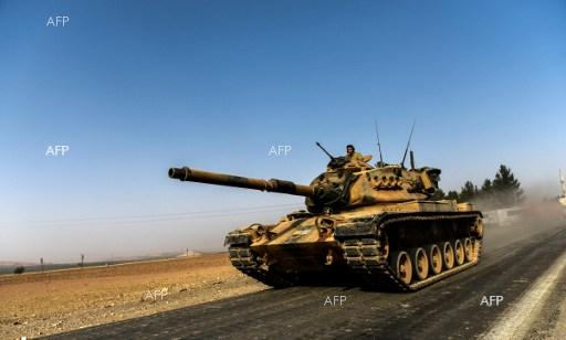Turkish M60 Patton tank enters into Syria as part of the operation on pushing IS away from Jarabulus. August 24, 2016.