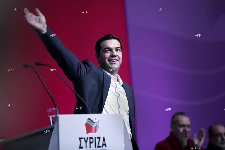 Greek PM renews call for lenders to tackle Greece's debt