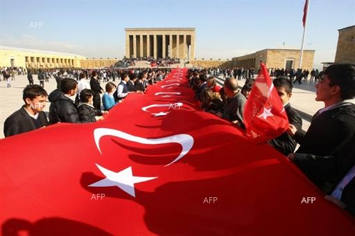 AFP: Erdogan, rivals woo Turkey's crucial Kurdish vote